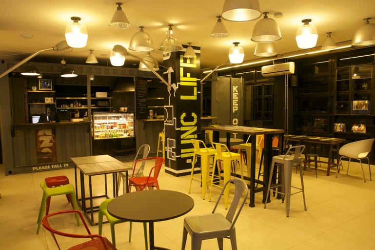 Makati Junction Hostels, Makati City
