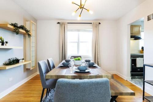 Bright Nordic Home - Complementary Netflix - Secure Garage Parking - 10 Mins to Downtown Core - Slee, Division No. 11