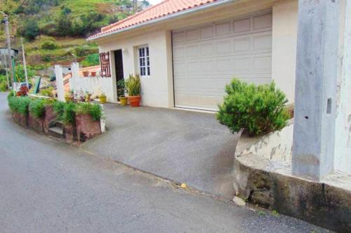 House with 2 bedrooms in Machico with WiFi 4 km from the beach, Machico