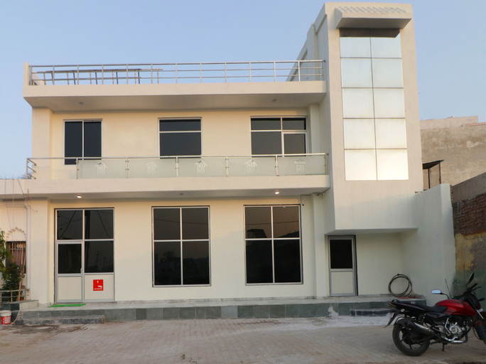 OYO 12493 Hotel Taaz Comfort Inn, Mathura