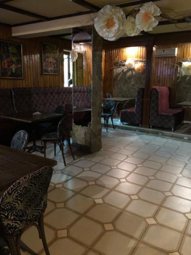Кафе-бар «у Дідуся», Zolotonis'kyi