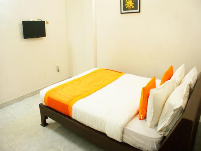 OYO 9902 Nedumparambil Residency, Ernakulam