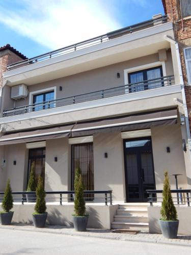 Ora Apartments, Pogradecit