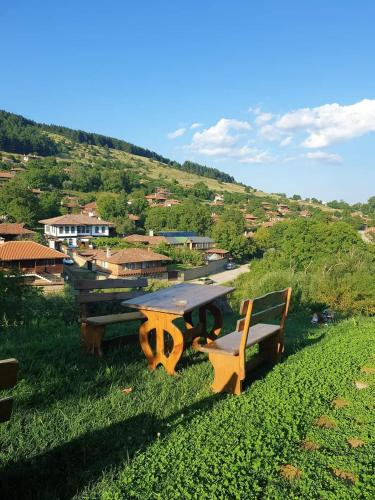 Стаи за гости Тодорови, Kotel
