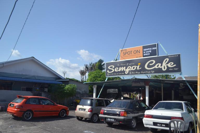 SPOT ON 89821 Batu Maung Sempoi Inn And Cafe, Barat Daya