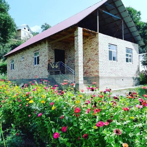 Guest House Azalia Sary Chelek, Aksyi