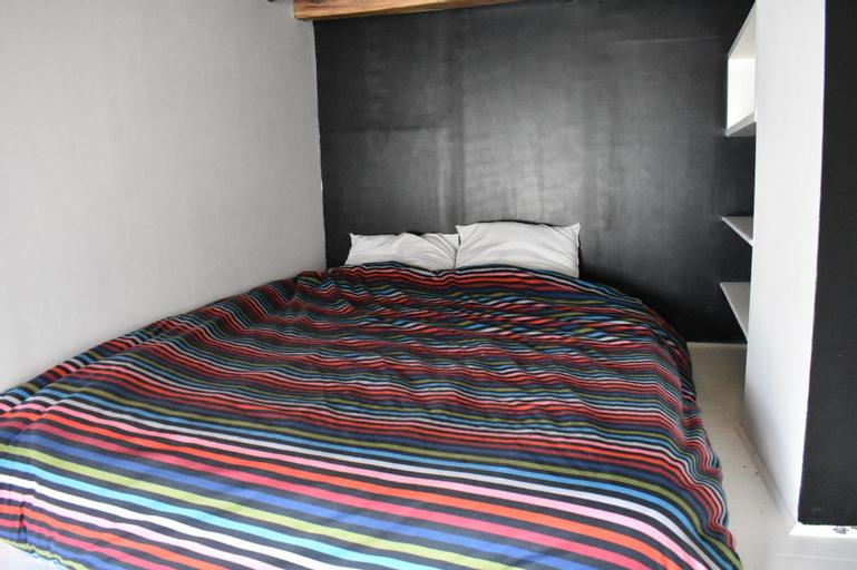 Studio Apartment in Saint-germain-des-prés & Saint-michel, Paris