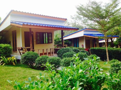 Baan Sangchan, K. Ko Kut