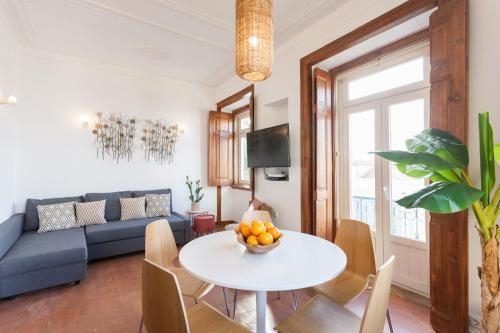 Rossio Vintage Two-Bedroom Apartment - by LU Holidays, Lisboa