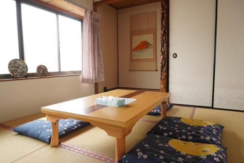Villa alive, Takehara