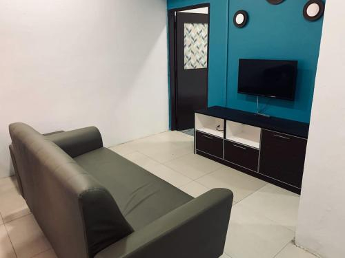 ECO Guest House l 8 Minutes to Kuala Besut Jetty, Besut