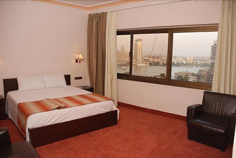 El Tonsy Cairo Hotel, Ad-Duqi