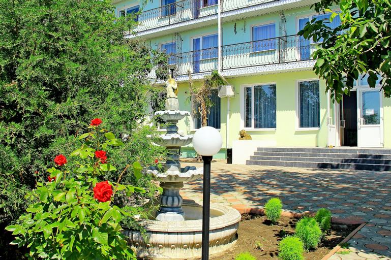Grand Hotel Nariman, Heniches'kyi