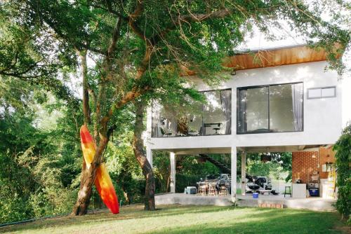 Kanlueng Home: A House By The River, Bang Sai