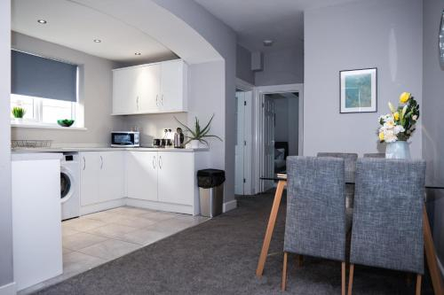 6 x MODERN APARTMENTS IN 1 BLOCK JUST OUTSIDE THE CITY, MINUTES WALK FROM SHOPS AND CAFES, North Tyneside