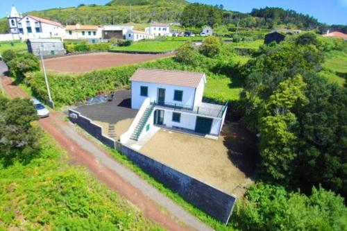 House with 2 bedrooms in Horta with wonderful sea view enclosed garden and WiFi 4 km from the beach, Horta