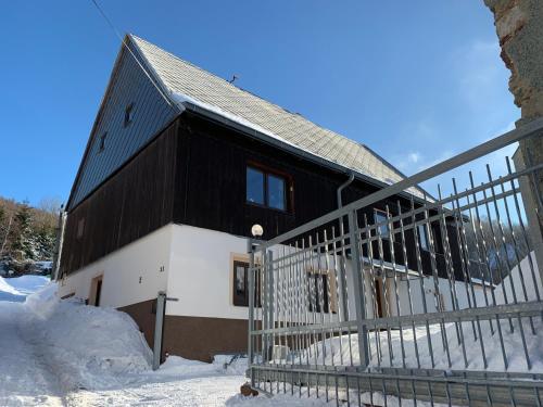 Vybaveny apartman v lyzarskem stredisku Mikulov v Krusnych horach, Teplice