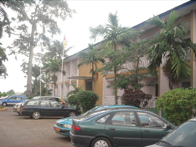 Central Hotel, Mfoundi
