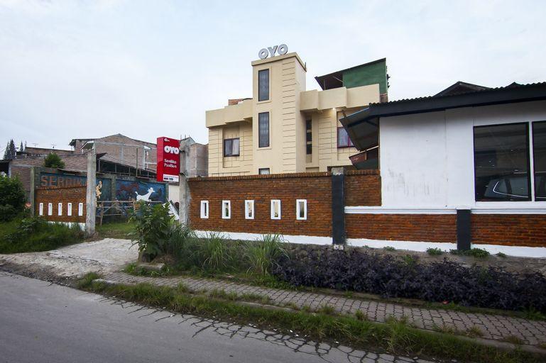 OYO 581 Serdika Pavilion, Karo