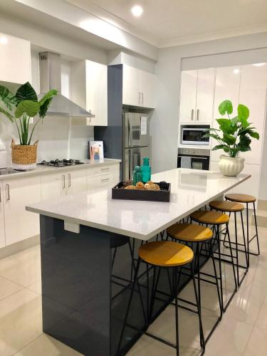 Jewel in the West-Newly Built and Spacious, Fairfield - East