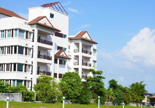 Khanom Beachfront Apartment 1, Khanom