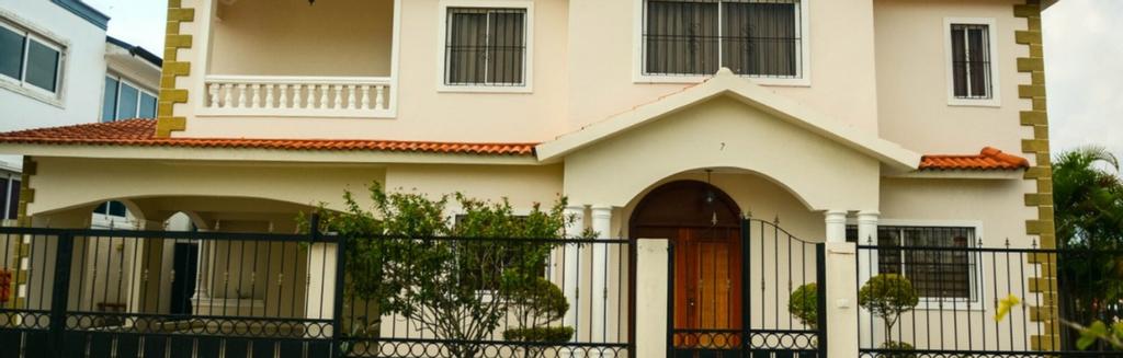 Casa con Piscina y Vigilancia 24H, Santiago de los Caballeros