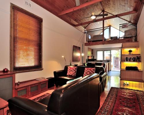 Pure Gold - Heritage 2 bedroom terraced cottage, Fremantle