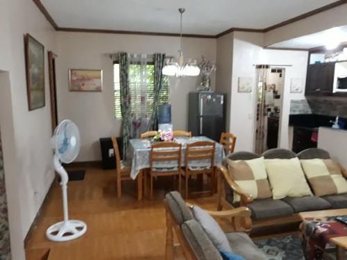humble house, Tagaytay City