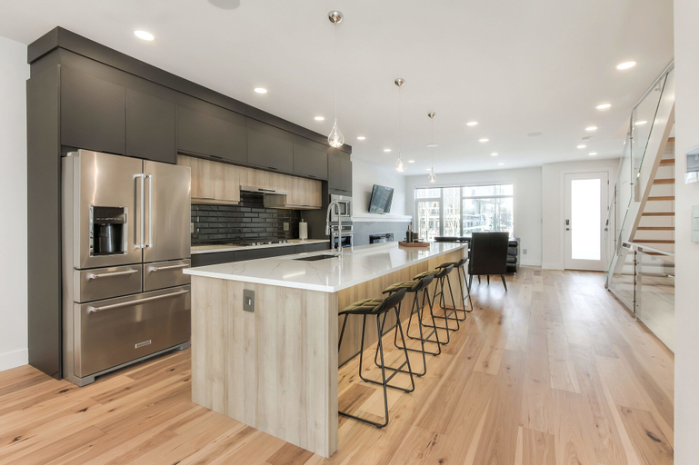 NEW LUXURY TOWNHOME 29, Division No. 11