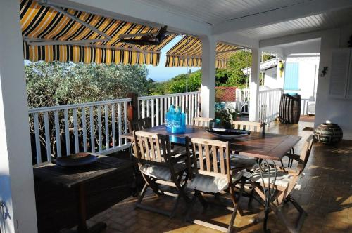 House with 2 bedrooms in Le Morne-Vert, with wonderful mountain view, enclosed garden and WiFi - 3 k, Le Morne-Vert