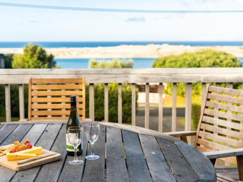 Talinga Ocean Views - Mangawhai Holiday Home, Kaipara