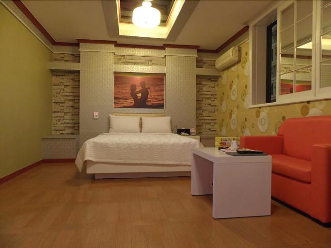 Manhattan Hotel, Gwangsan