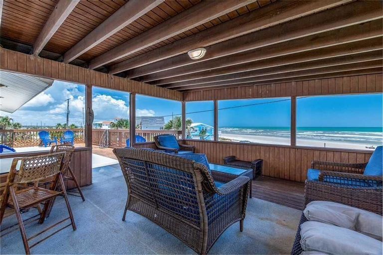 Lenoras Pelican Beach House Upper Level - Three Bedroom Home, Saint Johns