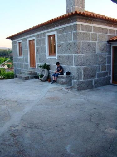 House with 3 bedrooms in Baiao with wonderful mountain view furnished garden and WiFi, Baião