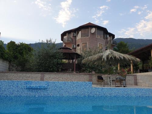 Villa Familia, Gudauta