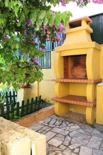 Yellow Cottage-Retro Style.Pool, Almada