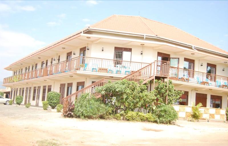 Uhuru 50 Hotel, Busongora