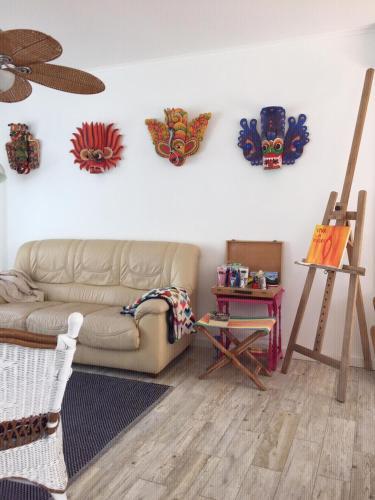 MOM'S HOUSE surf & family, Almada