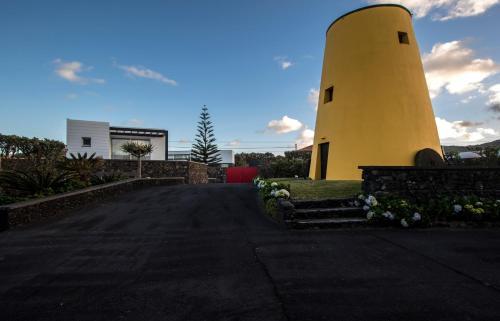 Wellshouses, Ponta Delgada