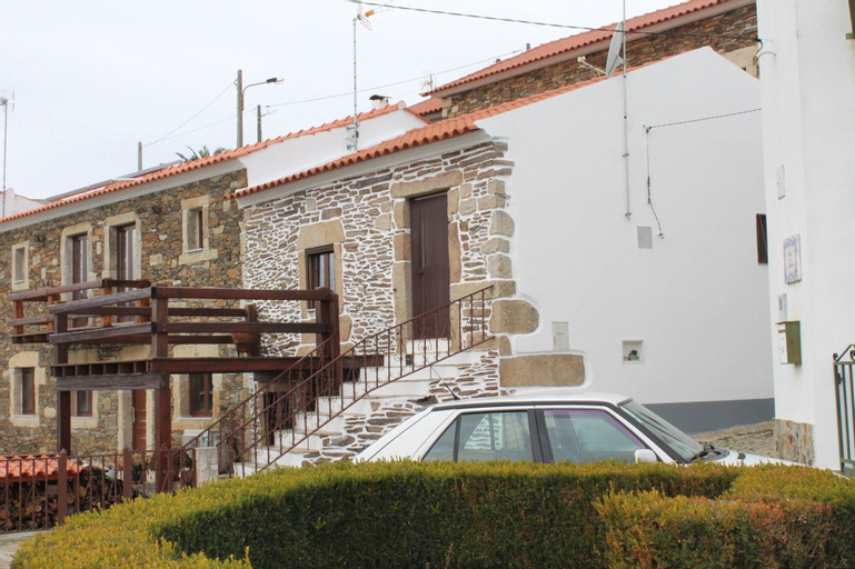 Apartment With 2 Bedrooms in Meimoa, With Wonderful Mountain View and Furnished Terrace, Penamacor