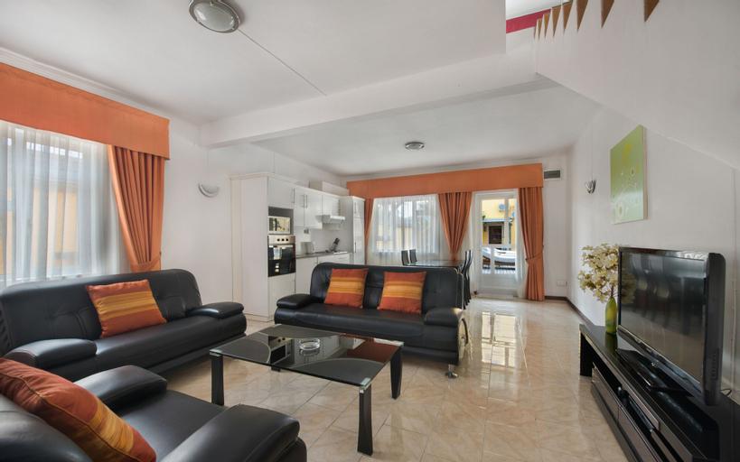 Wanna Studio Apartments,