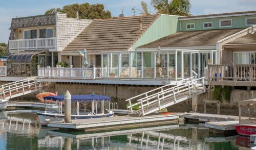 Upscale water front resort vacation home, Ventura
