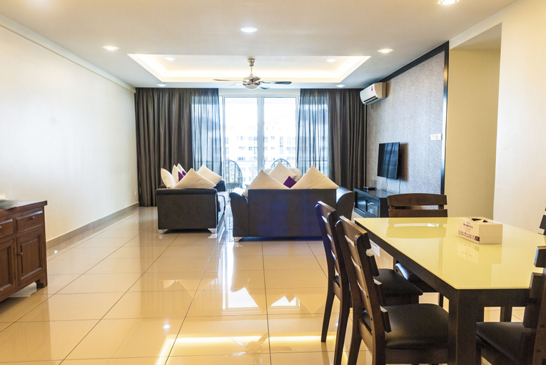 Summerton Luxury 4 Bedrooms Suite by D Imperio Homestay, Barat Daya