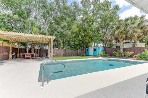 Summertime Sanctuary, Private Pool, 3 Bedrooms, Sleeps 8, Saint Johns