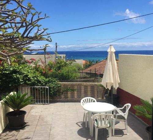 House with one bedroom in Porto da Cruz with enclosed garden and WiFi, Machico
