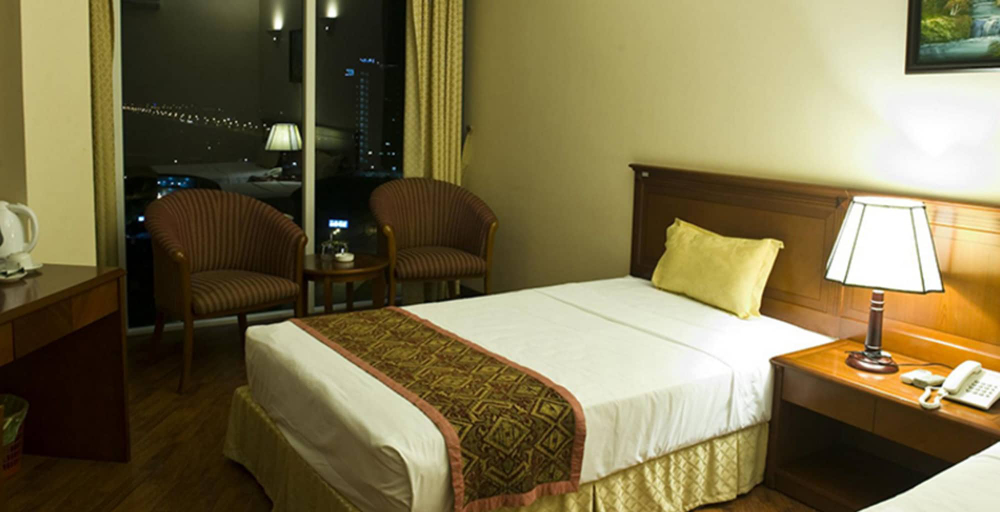 Crown Hotel, Hạ Long