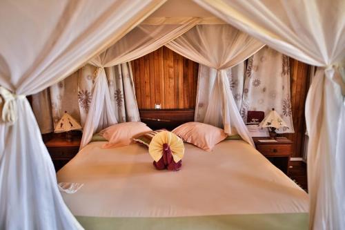 Kimony Resort, Menabe
