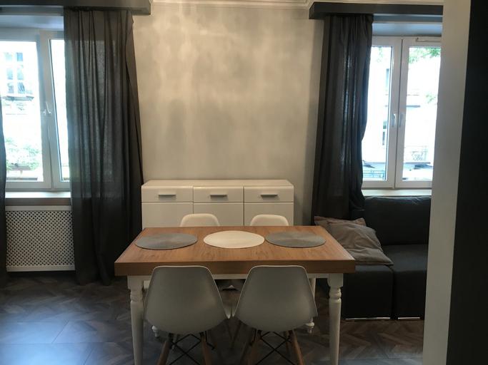Penguin Rooms 4300, Kielce City