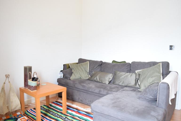 1 Bedroom Apartment in Surrey Quays, London