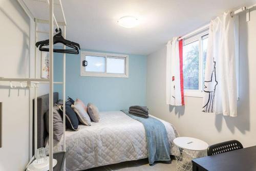 1 Double Quaint Grannyflat Private Room near public transport - SHAREHOUSE, Bankstown  - South